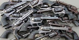 रुद्रपुर: एसटीएफ के हत्थे चढ़ा अवैध हथियार सप्लाई करने वाला तस्कर, सात तमंचों के साथ गिरफ्तार